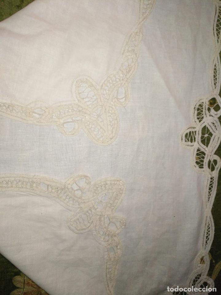 Antigüedades: 58x39 diametro tapete sudario bordado con encaje puntilla filo filtire 100x100 algodon ideal virgen - Foto 3 - 192183815