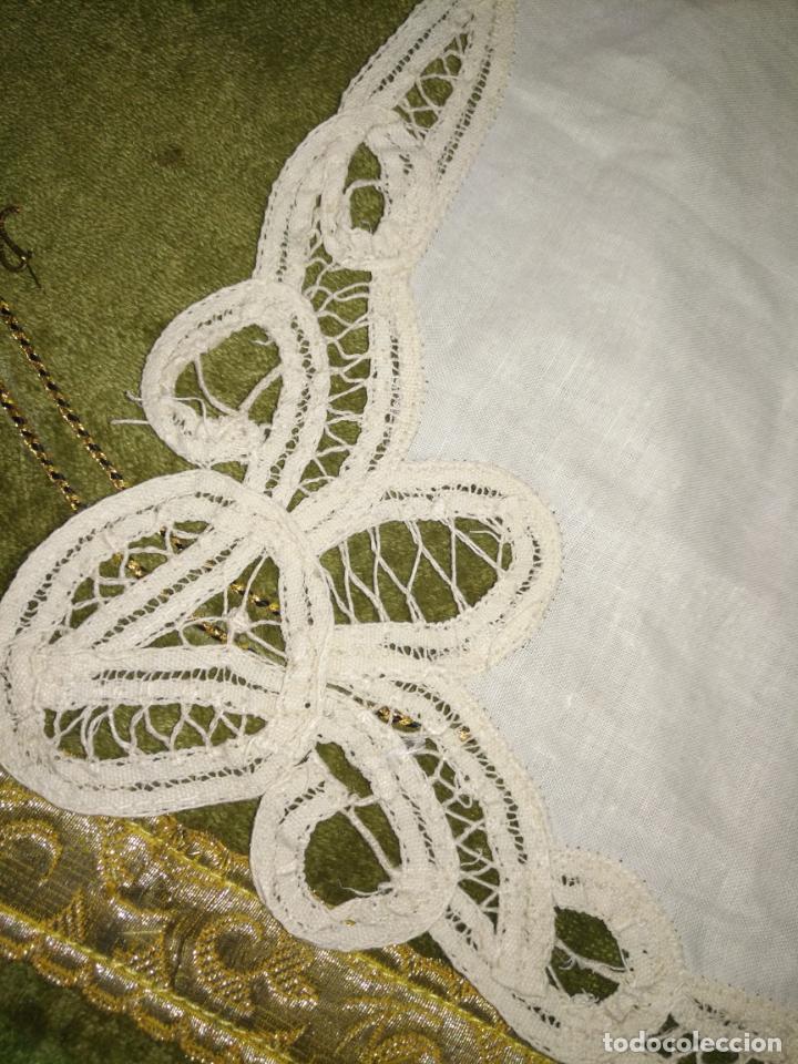 Antigüedades: 58x39 diametro tapete sudario bordado con encaje puntilla filo filtire 100x100 algodon ideal virgen - Foto 5 - 192183815