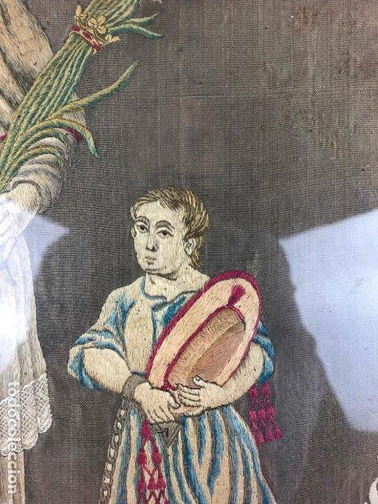 Antigüedades: Santo mercenario, plafón bordado, siglo XIX, con marco. 36x30cm - Foto 3 - 192220051
