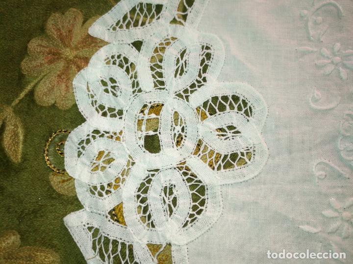 Antigüedades: 57 cm diametro tapete sudario bordado con encaje puntilla filo filtire 100x100 algodon ideal virgen - Foto 3 - 192226621