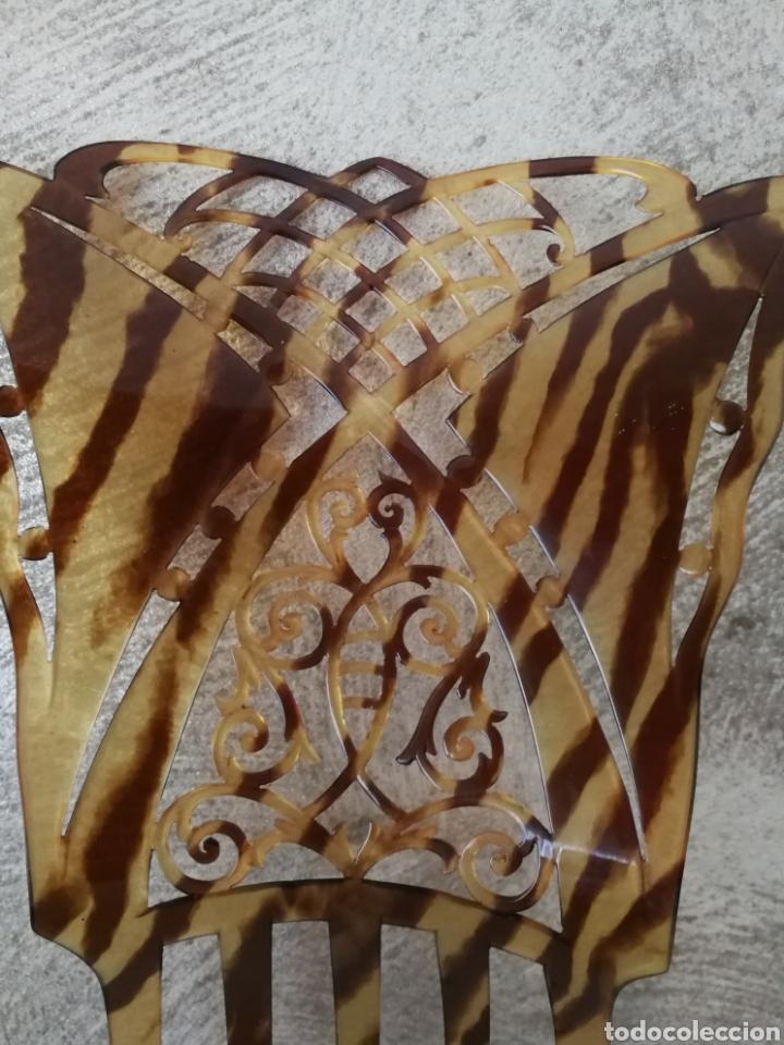 Antigüedades: ANTIGUA PEINETA CALADA SIMIL CAREY - Foto 4 - 192245905