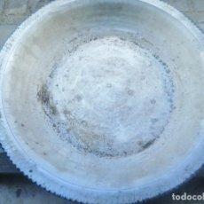 Antigüedades: ENSALADERA O PLATO DE GRANDES DIMEMSIONES. Lote 192277165
