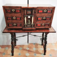 Antigüedades: BARGUEÑO CON INSCRUSTACIONES DE LATON Y CAREY. Lote 192311576