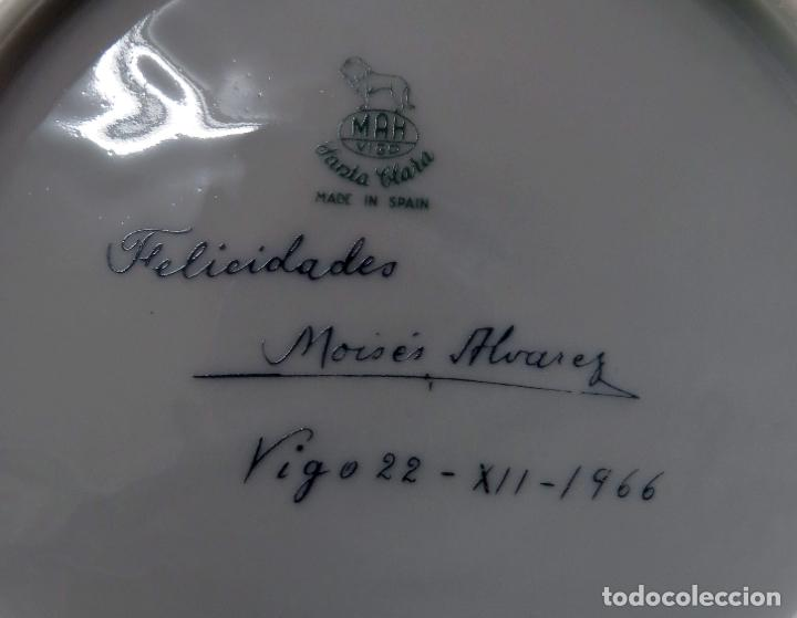 Antigüedades: Plato Navidad conmemorativo en porcelana Santa Clara dedicado Moises Alvarez e hijos 1966 - Foto 4 - 192330902