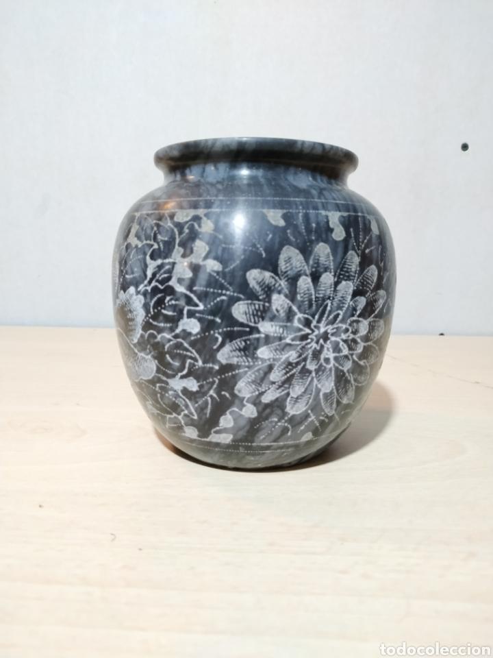 Antigüedades: Jarron de mármol con grabados motivos florales - Foto 2 - 192375342