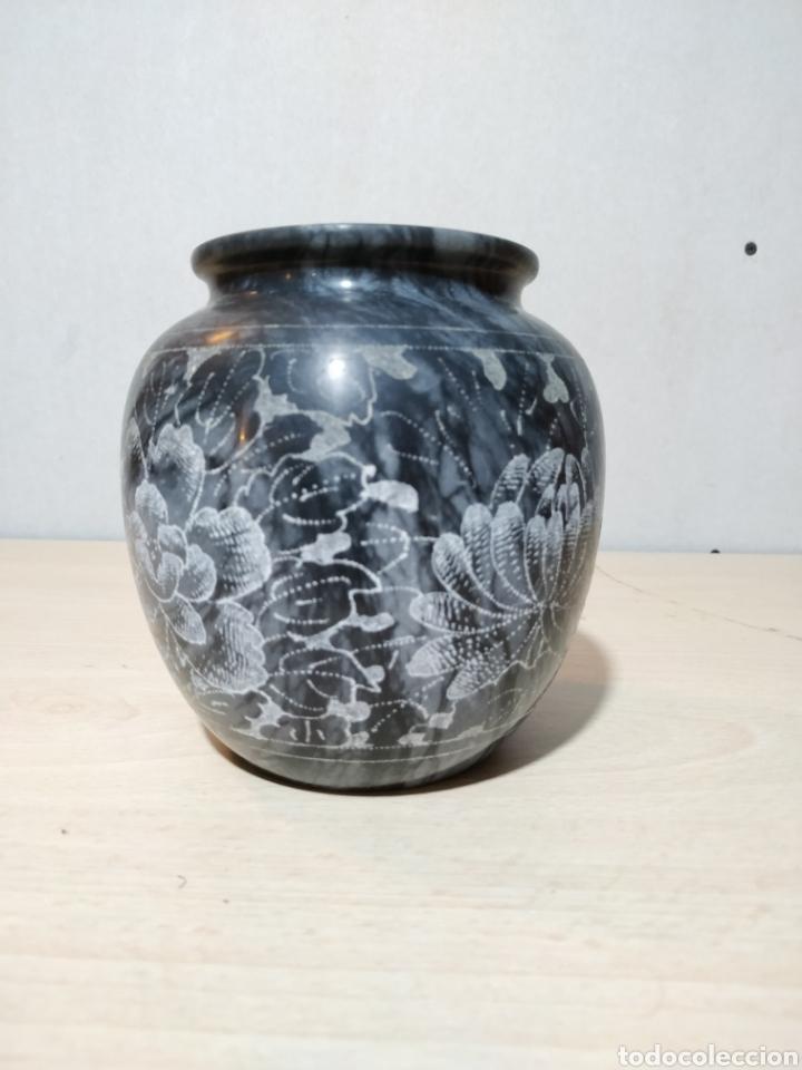 Antigüedades: Jarron de mármol con grabados motivos florales - Foto 4 - 192375342
