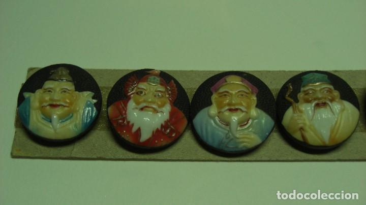 Antigüedades: TOSHIKANE. SIETE DIOSES DE LA FORTUNA. Juego completo. Siete botones de porcelana. - Foto 3 - 192380386