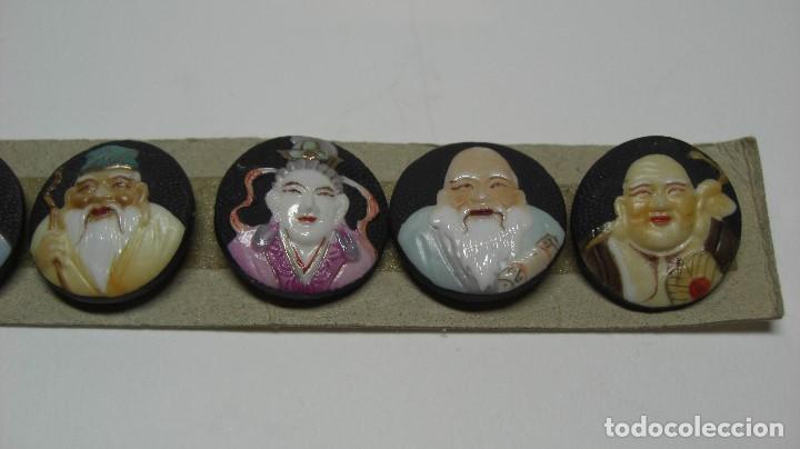 Antigüedades: TOSHIKANE. SIETE DIOSES DE LA FORTUNA. Juego completo. Siete botones de porcelana. - Foto 4 - 192380386