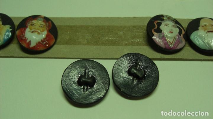Antigüedades: TOSHIKANE. SIETE DIOSES DE LA FORTUNA. Juego completo. Siete botones de porcelana. - Foto 5 - 192380386