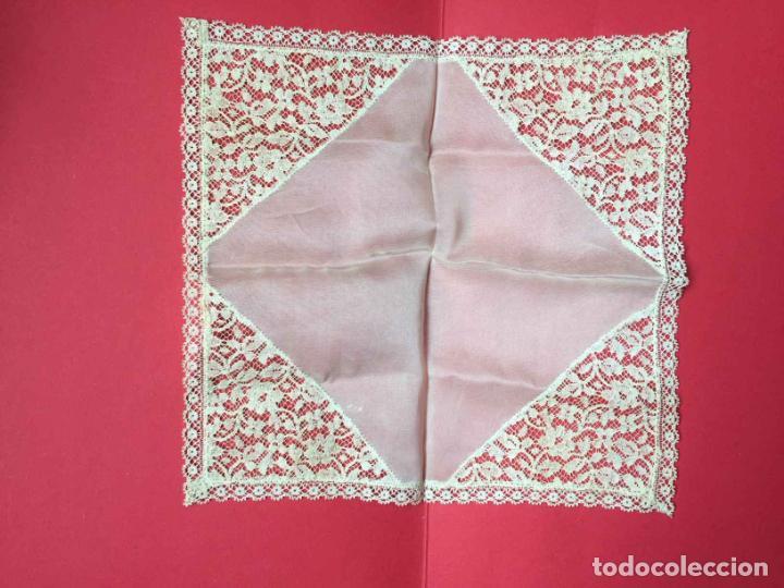 PAÑUELO ENCAJE. (1920-30'S) ¡COLECCIONISTA! ¡ORIGINAL! (Antigüedades - Moda - Pañuelos Antiguos)