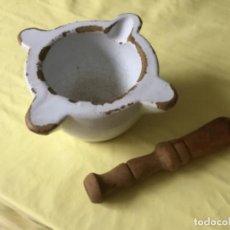 Antiquités: ANTIGUO MORTERO LOZA CATALINA BLANCO CON MAZA. Lote 192439161