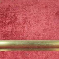 Antigüedades: APLIQUE DE MURAL PARA CUADROS. LATÓN. 6 PUNTOS DE LUZ. ESPAÑA. SIGLO XX. . Lote 192537108