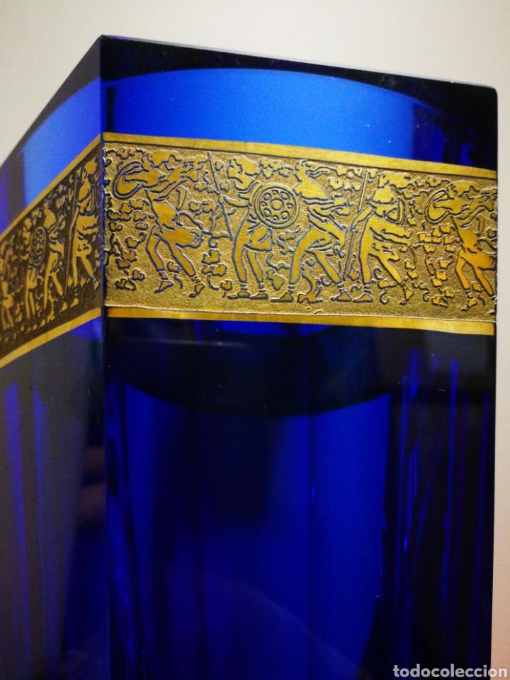 Antigüedades: INCREÍBLE JARRÓN HEXAGONAL CRISTAL AZUL-DORADO BOHEMIA MOSER, ART-DECO.CIRCA 1930. 22X14CM. FIRMADO - Foto 2 - 192545168