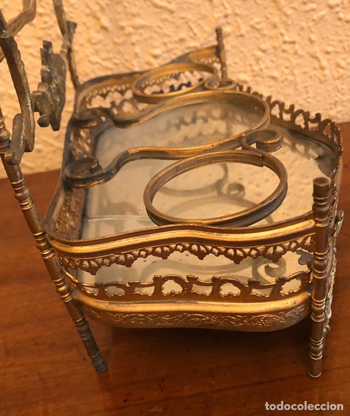 Antigüedades: Precioso joyero-tocador de sobremesa en bronce dorado al mercurio. Napoleon III. - Foto 5 - 228349270