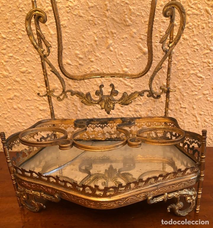 Antigüedades: Precioso joyero-tocador de sobremesa en bronce dorado al mercurio. Napoleon III. - Foto 7 - 228349270