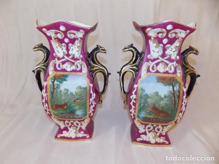 ANTIGUOS JARRONES TIBOR DE PORCELANA INGLESES PINTURA DE CAZA (Antigüedades - Porcelanas y Cerámicas - Inglesa, Bristol y Otros)