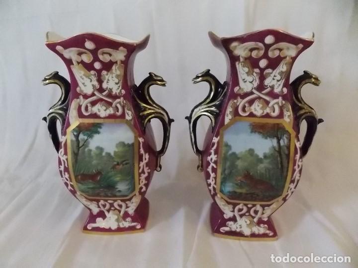 Antigüedades: ANTIGUOS JARRONES TIBOR DE PORCELANA INGLESES PINTURA DE CAZA - Foto 2 - 192604883