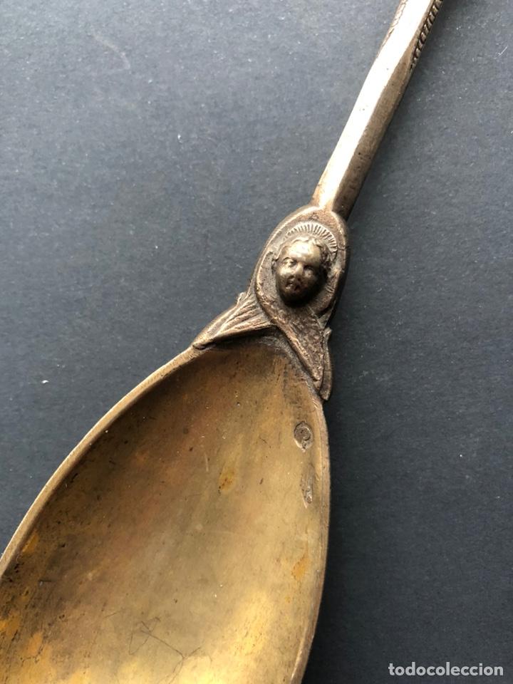 Antigüedades: Preciosa cuchara litúrgica de plata del siglo XIX con sellos del maestro orfebre alemán Schleissner - Foto 2 - 192629902