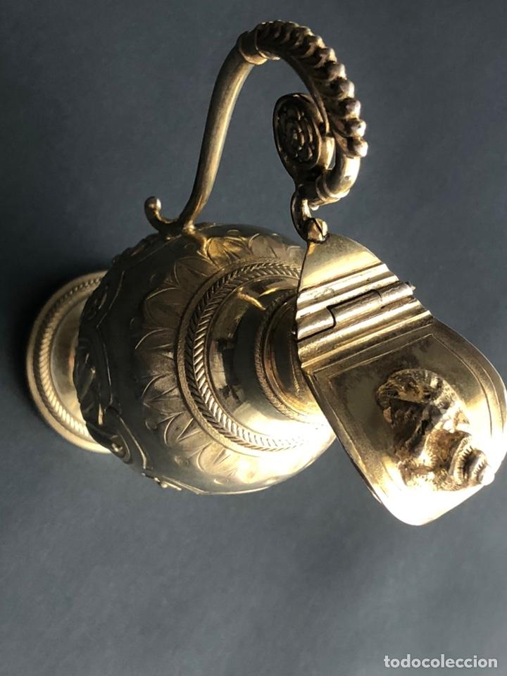 Antigüedades: Preciosas vinajeras de plata sobredorada del siglo XIX con sello del maestro orfebre Alexis Renaud - Foto 23 - 192632083