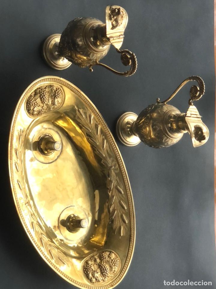 Antigüedades: Preciosas vinajeras de plata sobredorada del siglo XIX con sello del maestro orfebre Alexis Renaud - Foto 32 - 192632083