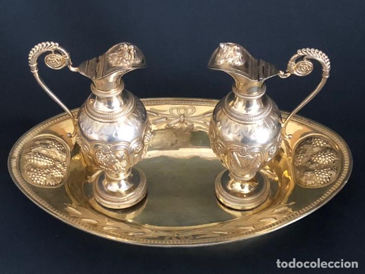Antigüedades: Preciosas vinajeras de plata sobredorada del siglo XIX con sello del maestro orfebre Alexis Renaud - Foto 45 - 192632083