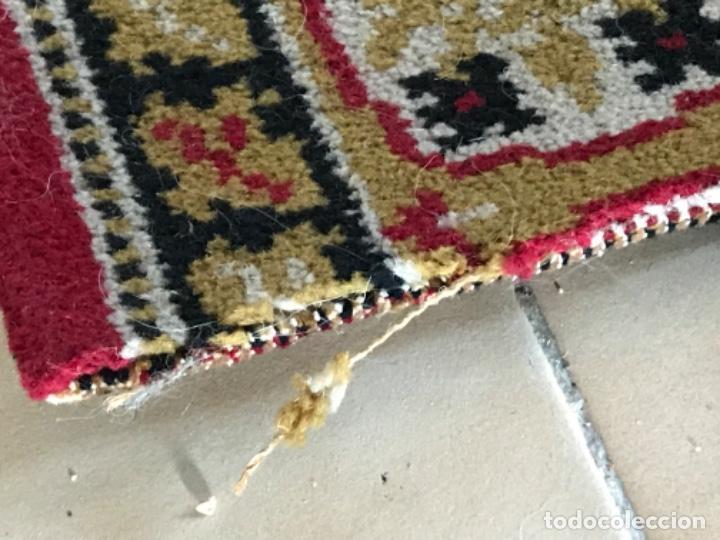 Antigüedades: Antigua alfombra para pasillo lana motivos geometricos persa rojo 2,15x 69,5 cmaños 50 - Foto 9 - 192647721