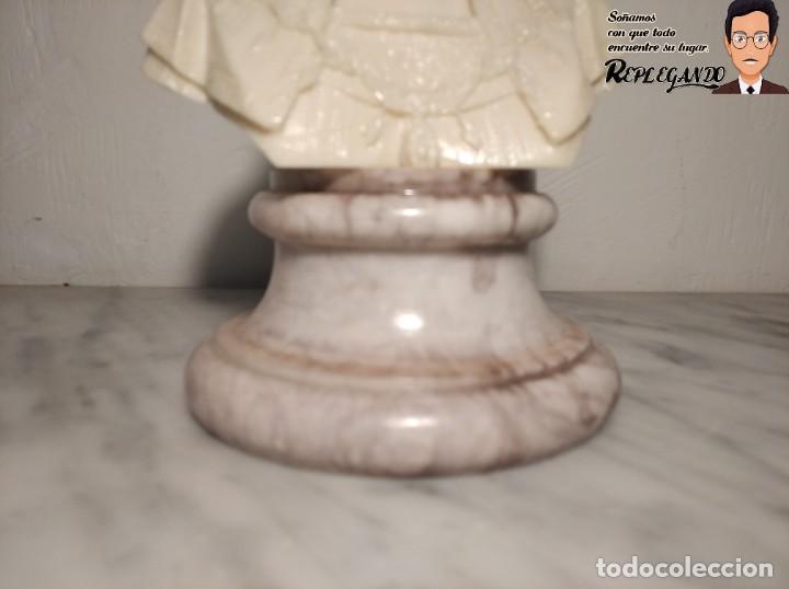 Antigüedades: BUSTO MUJER DE ÉPOCA SÍMIL DE MÁRMOL CON BASE DE MÁRMOL ROSA (25 CM) - Foto 4 - 192666587