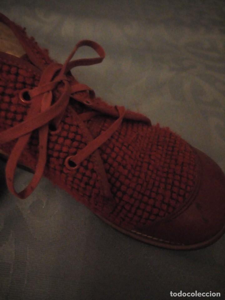 Antigüedades: Antiguos botines botas de niño tejido y cuero rojo años 40,nº 24/26,ideal rodajes de época. - Foto 5 - 192742428