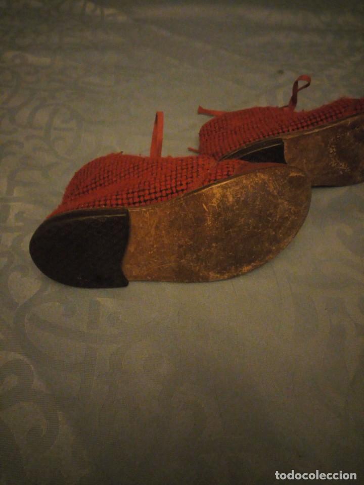 Antigüedades: Antiguos botines botas de niño tejido y cuero rojo años 40,nº 24/26,ideal rodajes de época. - Foto 6 - 192742428