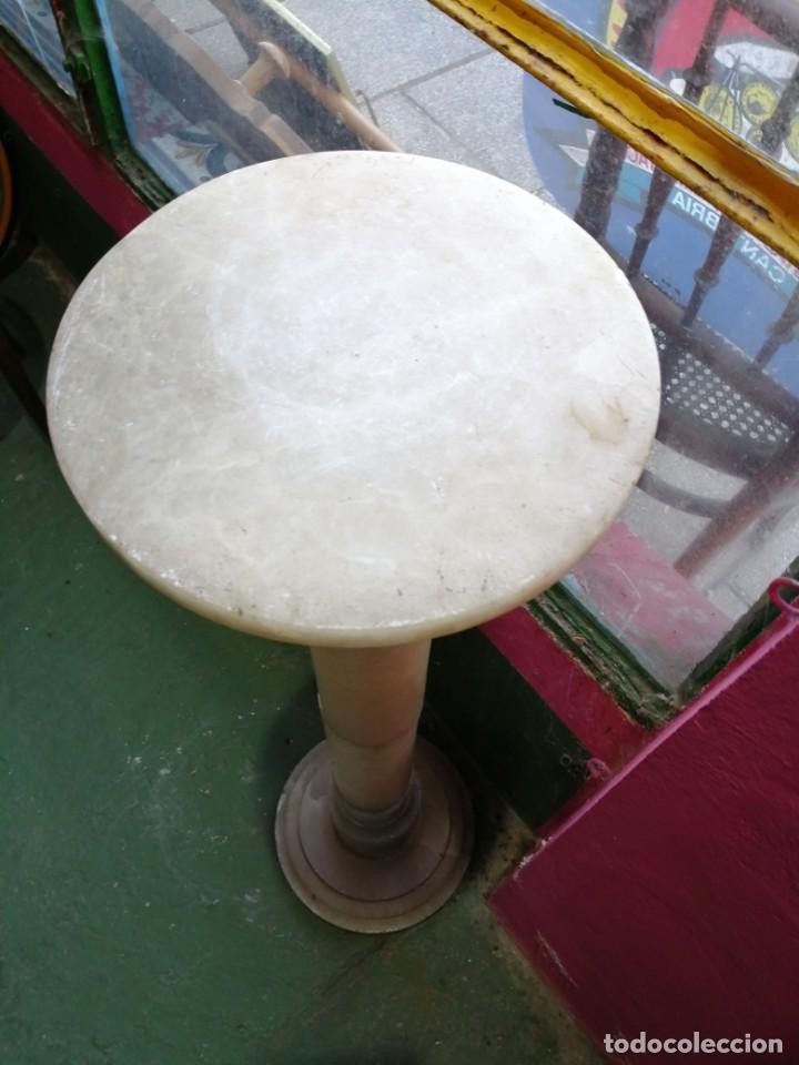 Antigüedades: Peana de alabastro - Foto 2 - 192753428