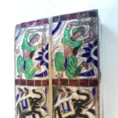 Antigüedades: ANTIGUA CAJITA PASTILLERO INDIA EN PLATA CON INCRUSTACIONES Y ESMALTES - MEDIDA: 4,6 X 3,6 CM. Lote 192755726