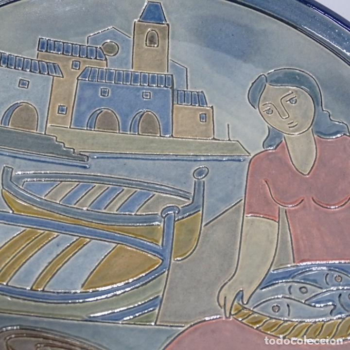 Antigüedades: Plato de cerámica vidriada firmado Vila-clará. - Foto 2 - 192757635