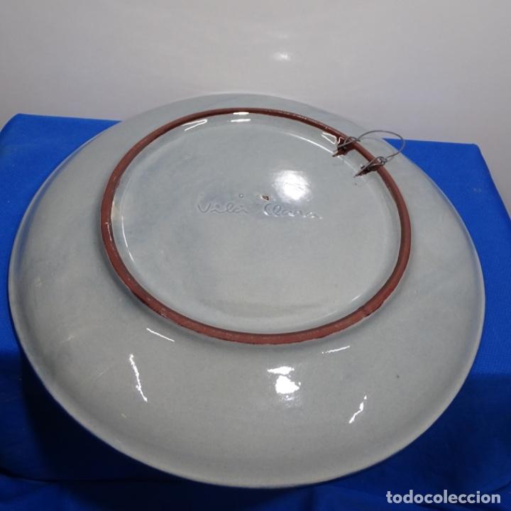 Antigüedades: Plato de cerámica vidriada firmado Vila-clará. - Foto 3 - 192757647