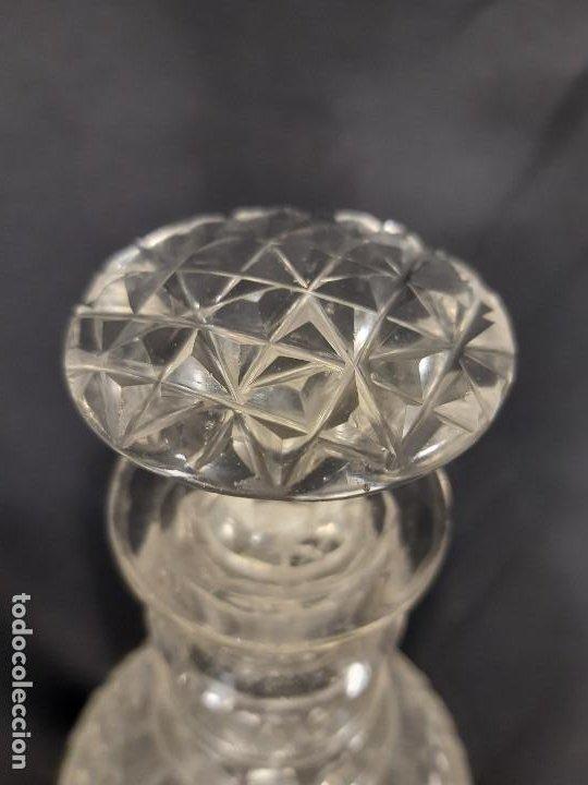 Antigüedades: Botella. Cristal tallado. Baccarat. Siglo XIX-XX. - Foto 10 - 212624015