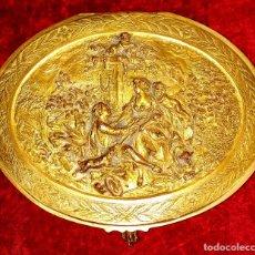Antigüedades: CAJA JOYERO. METAL FINAMENTE DORADO. SIGUIENDO MODELOS ROCOCÓ. FRANCIA. XIX. Lote 192789043