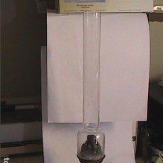 Antigüedades: LAMPARA QUINQUE ANTIGUO ESPAÑOL V.M. VICTORINO MARTÍN. PRINCIPIOS S.XX.. Lote 192813885