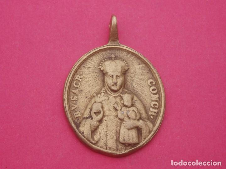 MEDALLA SIGLO XVIII VIRGEN DEL SAGRARIO DE CUENCA Y SAN JULIÁN. MUY RARA. (Antigüedades - Religiosas - Medallas Antiguas)