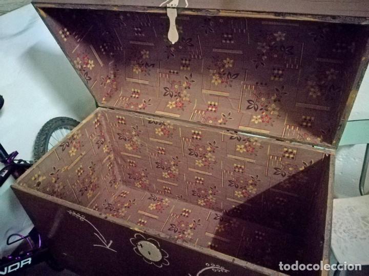 Antigüedades: BAÚL ANTIGUO DE MADERA CON SOPORTE. - Foto 3 - 192834202
