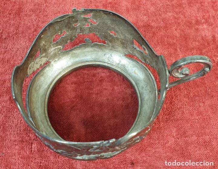Antigüedades: SOPORTE PARA TAZA EN METAL PLATEADO. ESTILO ART NOUVEAU. SIGLO XX. - Foto 3 - 192855246