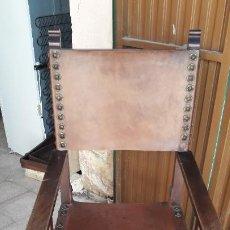 Antigüedades: SILLÓN FRAILERO CON CLAVOS LATÓN . Lote 192866033