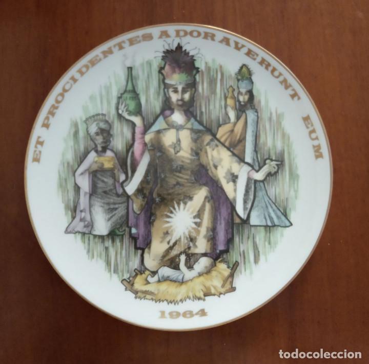 PLATO NAVIDAD CONMEMORATIVO SANTA CLARA DEDICADO MOISÉS ÄLVAREZ E HIOS 1964 (Antigüedades - Porcelanas y Cerámicas - Santa Clara)