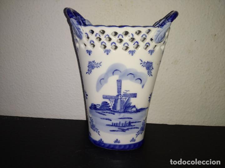 PRECIOSO JARRÓN FLORERO PORCELANA DELFTWARE ROYAL TWICKEL HAND PAINTED MOLINO PORCELANA HOLANDESA (Antigüedades - Porcelana y Cerámica - Holandesa - Delft)