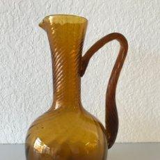 Antigüedades: BONITA JARRA GRANDE DE CRISTAL ÁMBAR. MITAD DEL SIGLO XX. Lote 192972825