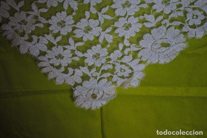 Antigüedades: Mantila blanca motivos florales - Foto 3 - 203904601