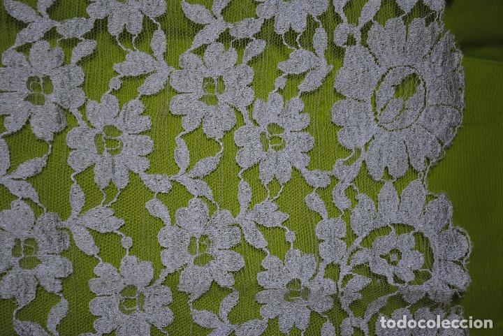 Antigüedades: Mantila blanca motivos florales - Foto 5 - 203904601