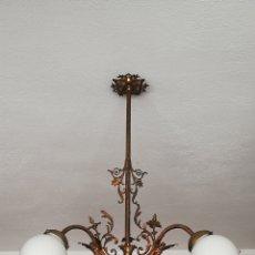Antigüedades: IMPRESIONANTE LAMPARA ANTIGUA MODERNISTA DE BRONCE ANGELITOS Y OPALINA DE PRINCIPIOS SIGLO XX. Lote 192983858