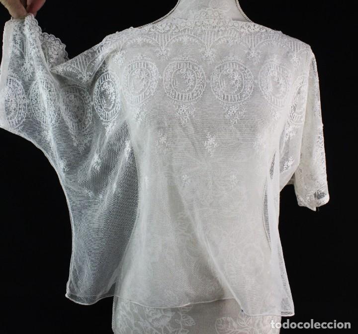 Antigüedades: 161 A Preciosa camisa realizada con encaje de gran fineza. Botones perlados - Foto 2 - 193054315