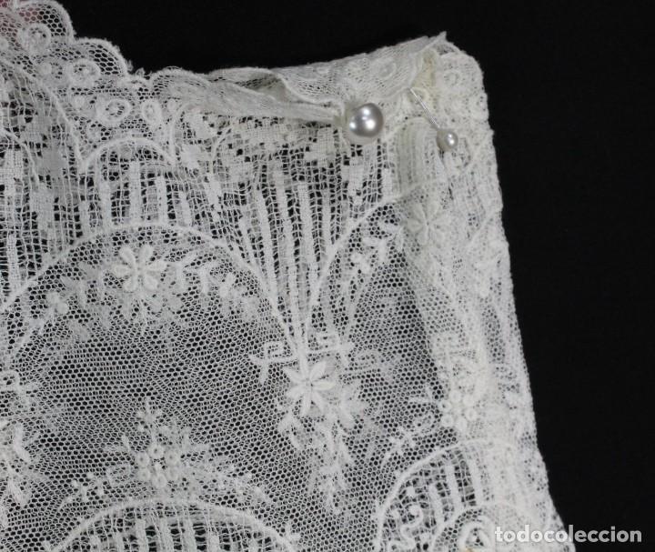Antigüedades: 161 A Preciosa camisa realizada con encaje de gran fineza. Botones perlados - Foto 5 - 193054315