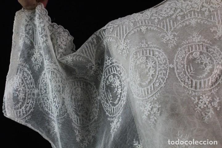 Antigüedades: 161 A Preciosa camisa realizada con encaje de gran fineza. Botones perlados - Foto 6 - 193054315