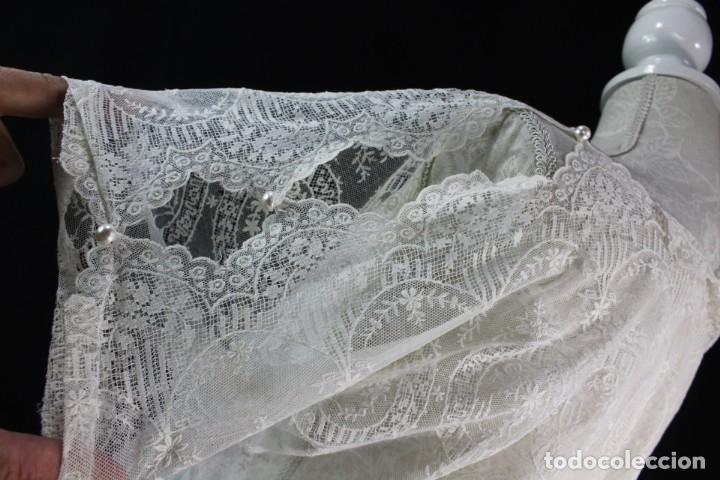 Antigüedades: 161 A Preciosa camisa realizada con encaje de gran fineza. Botones perlados - Foto 8 - 193054315